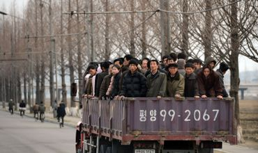 Le camion, moyen de transport très utilisé par les travailleurs au pays de Kim Jong-Un.