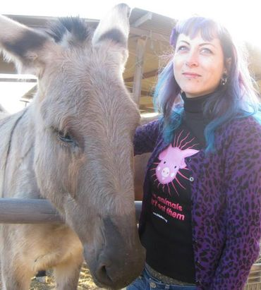 Corline est bénévole dans des refuges pour animaux