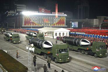 Quatre missiles balistiques à Pyongyang, en Corée du Nord, le 15 janvier 2021