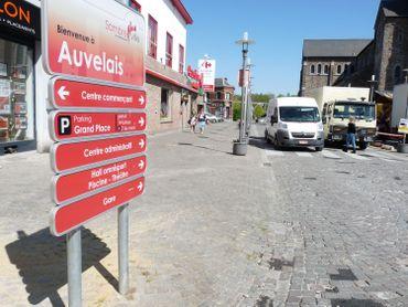 L'entrée de la Grand Place d'Auvelais