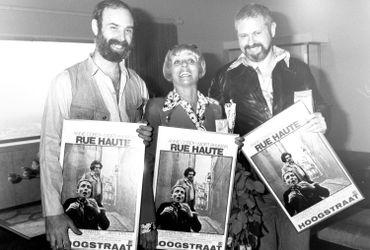 """Annie Cordy aux côtés du réalisateur de """"Rue Haute"""", André Ernotte, et du scénariste, Elliot Tiber."""