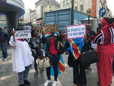Des opposants au président congolais manifestent sur le square Lubumba, près de la porte de Namur.