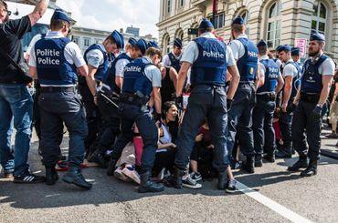 Les forces de l'ordre avaient été appelés à intervenir lors de la contre-manifestation.