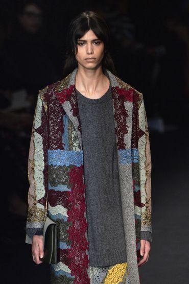 Le manteau en patchwork de Valentino - Collection prêt-à-porter automne-hiver 2015-2016