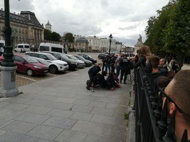 Plusieurs personnes ont été arrêtées.