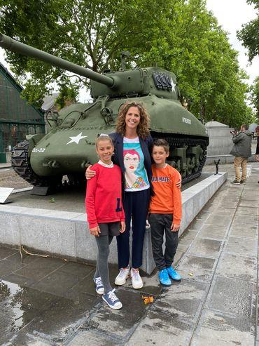 Sara de Paduwa et ses enfants au Mons Memorial Museum