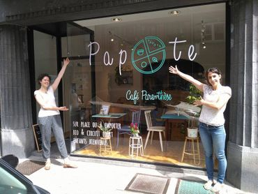 """Baya et Audrey et leur café """"Papote"""" à Namur"""