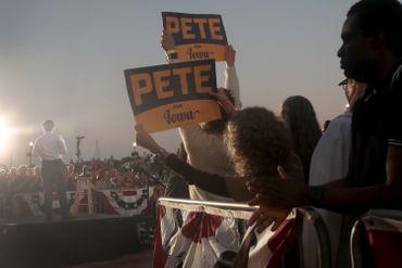 Gay, chrétien et vétéran d'Afghanistan, qui est Pete Buttigieg, le candidat démocrate anti-Trump