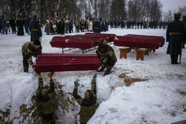 Cérémonie d'obsèques de soldats tsaristes et napoléoniens à Viazma, en Russie, ce 13 février 2021