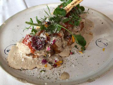Cassolette de de Saint-Jacques et ses ravioli aux champignons des bois, garniture cèpes et légumes d'hiver -