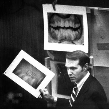 Docteur Richard Souviron, expert dentaire au procès de Ted Bundy