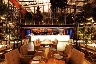 Vivarium, un restaurant en Thaïlande dessiné par Hypothesis.