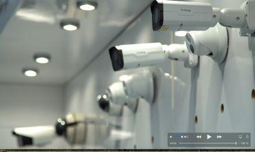 Les caméras de surveillance sont de plus en plus utilisées, tant dans l'espace public que privé. Les magasins spécialisés attirent davantage de clients.
