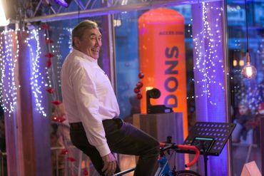 Eddy Merckx n'a pas hésité à mouiller la chemise au profit de Viva for Life !