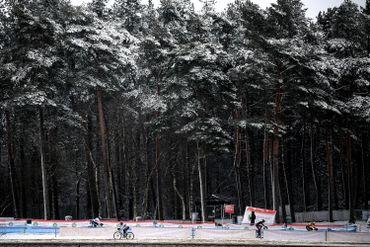 La neige s'est aussi invitée sur le terrain du cyclo-cross, comme à Lille (province d'Anvers) au Krawatencross ce 7 février