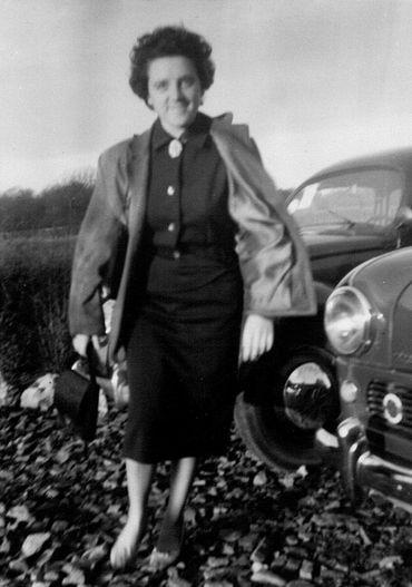 """Lucy Deblon Marquet, infirmière à domicile : """"Toujours sur les routes, avec ma coccinelle et ma petite trousse""""."""