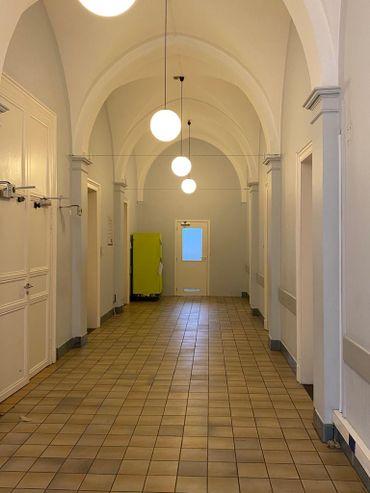 Il y a quelques semaines encore, le hall d'entrée était utilisés par les patients.
