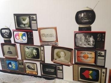 Photographies de la télévision belge collectées et sauvegardées par la SONUMA