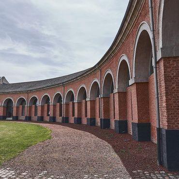 Le Grand-Hornu est l'un des plus beaux sites européens d'archéologie industrielle du 19ème siècle! Il est inscrit au patrimoine mondial de l'humanité par l'UNESCO