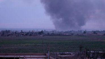 A Baghouz en Syrie: Une belge attend parmi les femmes de djihadistes