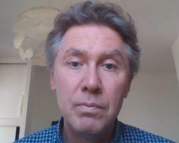 le Professeur Sven SAUSSEZ est Docteur en Médecine, oto-rhino-laryngologie et chirurgie cervico-faciale