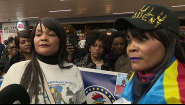 Quelques dizaines de membres de la communauté congolaise de Belgique sont venus accueillir Maratin Fayulu ce matin à l'aéroport de Brussels international