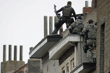 Les forces de l'ordre en action à Molenbeek Saint-Jean.