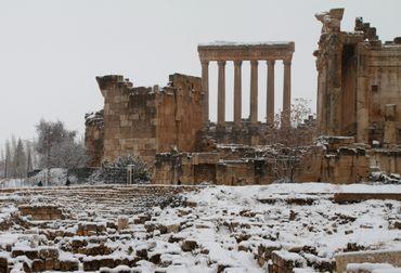Le site archéologique de Baalbeck au Liban sous la neige
