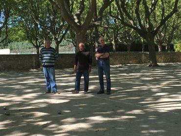 Joueurs de pétanque à Beaucaire