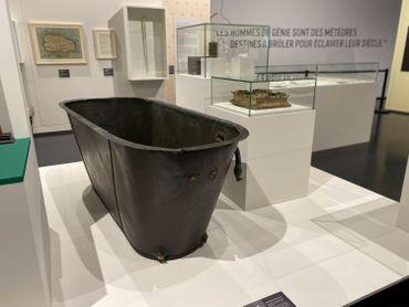 En provenance de Sainte-Hélène, la baignoire de Napoléon est arrivée par bateau en Belgique il y a trois semaines.