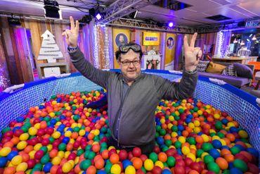 Carlo De Pascale retourne en enfance durant la Pool Party !