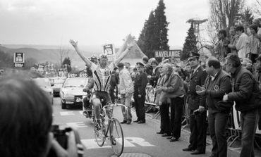 Laurent Fignon, vainqueur au sommet du Mur de Huy en 1986