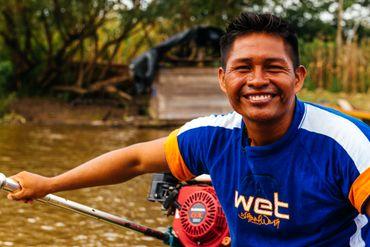 Robinson est comblé à Puerto Nariño. Pour lui, l'Amazonie leur donne tout !