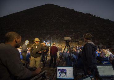 Ce projet ambitieux lancé depuis fin octobre utilise des caméras à infrarouges pour cartographier sans la moindre égratignure le cœur des pyramides de Gizeh.