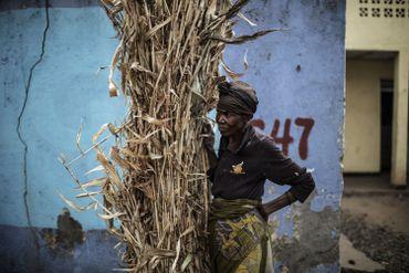 Une supportrice du leader du Parti Démocratique Vert Rwandais, Frank Habineza, investi candidat à l'élection présidentielle.