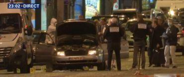 Le véhicule à bord duquel l'assaillant serait arrivé.