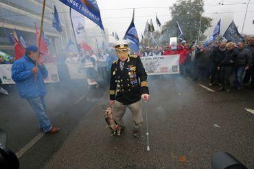Les militaires manifestent dans les rues de Bruxelles ce mardi, une première depuis 2009