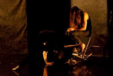 La Peau de l'ombre : performance épidermique