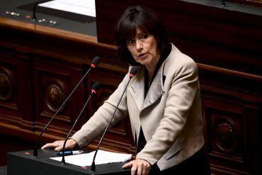 """Laurette Onkelinx: """"La justice devra-t-telle encore payer pour la crise?"""""""