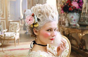 Le Marie-Antoinette de Sofia Coppola en 2006, un ravissement pour les yeux, pour les émotions et l'une des premières créations cinématographique surfant sur le courant esthétique des tons pastels.