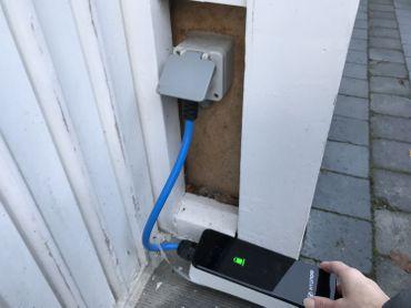 Le chargeur pour un courant 230V 32A permettant la recharge sur une prise domestique.