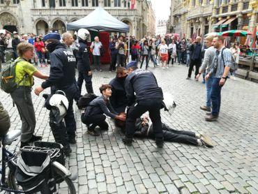 Les « Gilets jaunes » encerclés à la gare de Bruxelles-Nord interpellés un à un