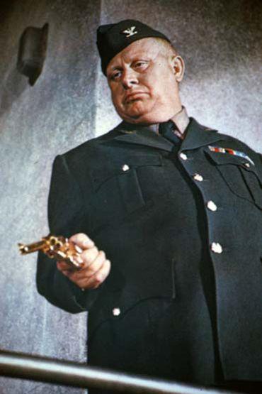 Gert Fröbe ou Auric Goldfinger