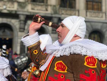 Carnaval de Charleroi: le corbeau est prêt à être brulé