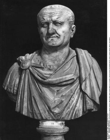 Vespasian / Marble bust