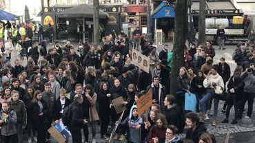 5000 jeunes manifestent pour le climat à Bruxelles, les autres se rassemblent à Louvain