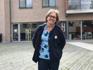Evelyne Kaesmacher-Lenaers, commerçante et investisseur immobilier, sur la place Musch