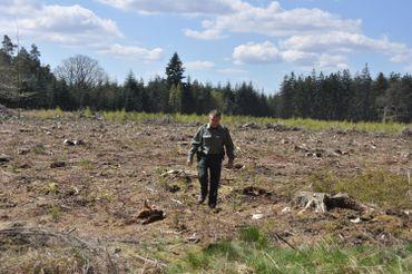 Les gardes forestiers sont 380 en Wallonie. Ils portent l'uniforme vert et le pistolet 9 millimètres