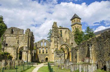 La ruine, puis la renaissance. L'histoire n'épargna ni l'abbaye ni ses moines.