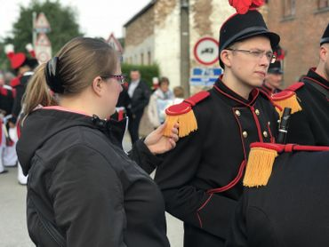 Gerpinnes: les marcheurs de la Sainte-Rolende arpentent les rues (photos)
